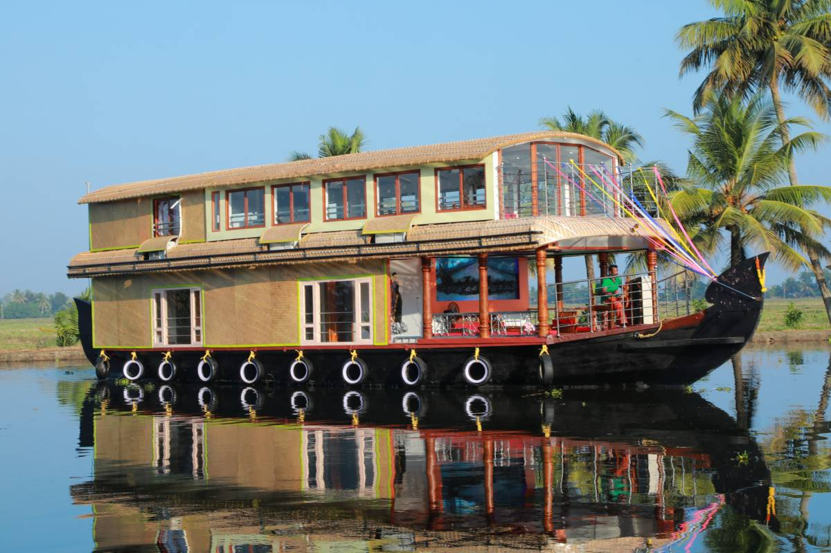 Beachparadise Daycruise Houseboat, Alleppey, India, India hostels and hotels