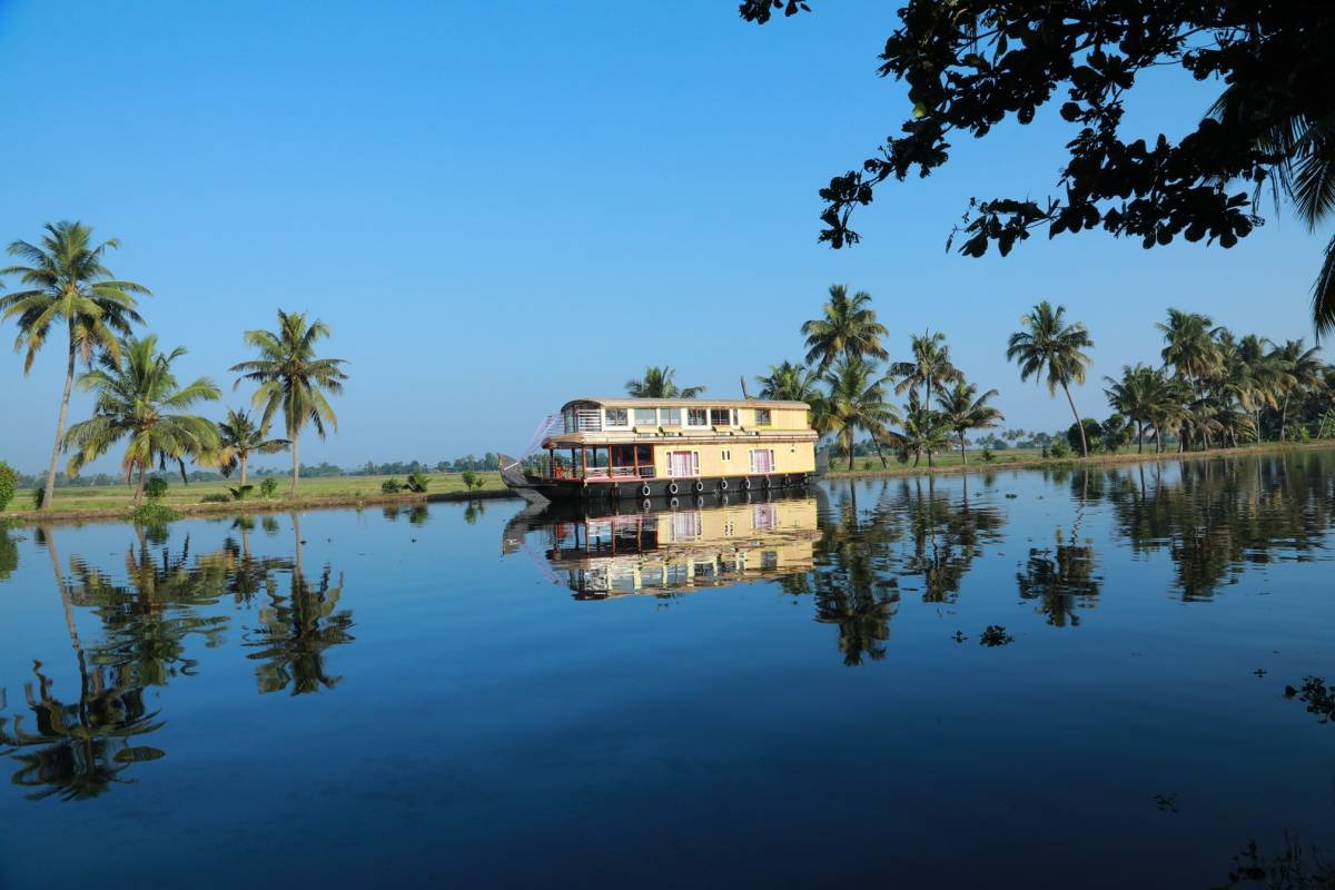 Beachparadise Daycruise Houseboat, Alleppey, India, first-rate travel and hostels in Alleppey