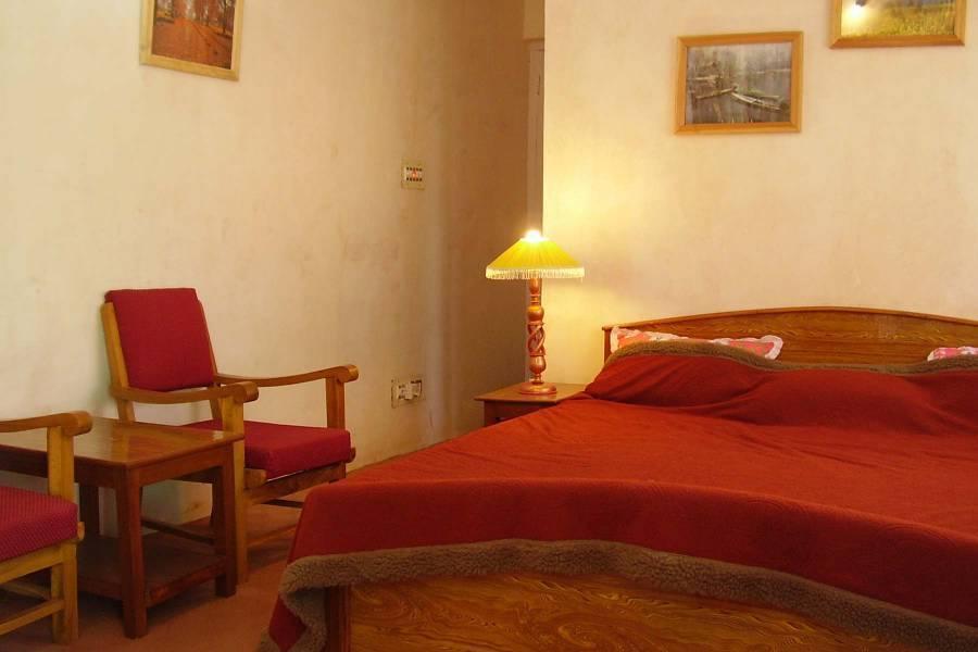 Blooming Dale Hotel, Srinagar, India, Ficar em uma cama e amp; Café da manhã e conheça o mundo real, não um folheto turístico dentro Srinagar