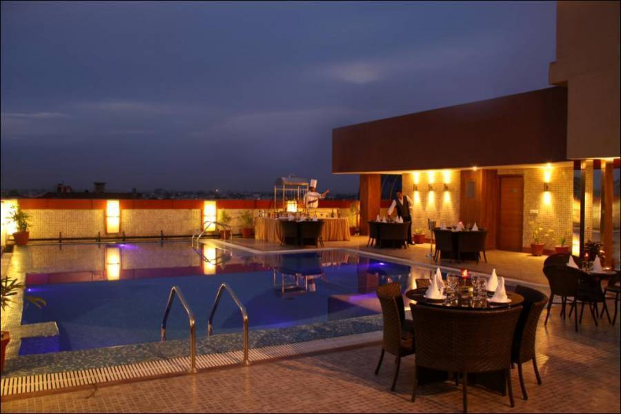 Clarks Inn, Amritsar, India, hostels with rooftop bars and dining in Amritsar