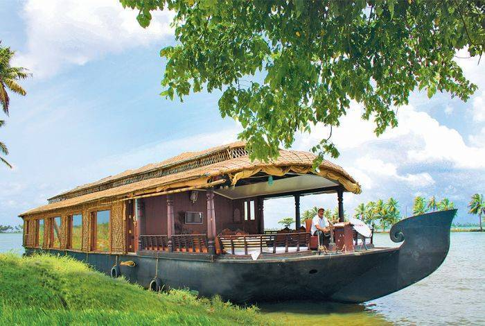 Cosy Houseboats, Alleppey, India, India hostels and hotels