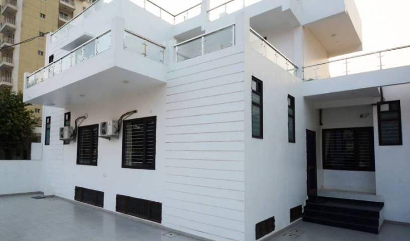 Comfort Stay - Search for free rooms and guaranteed low rates in Faridabad, youth hostel 11 photos