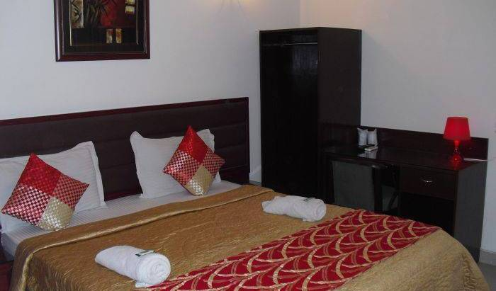 Eurostar International - Search for free rooms and guaranteed low rates in Delhi 12 photos