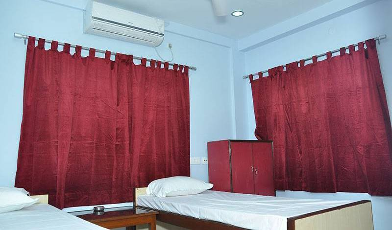 Himalaya Inn Service Apartment - Get cheap hostel rates and check availability in Kolkata 5 photos