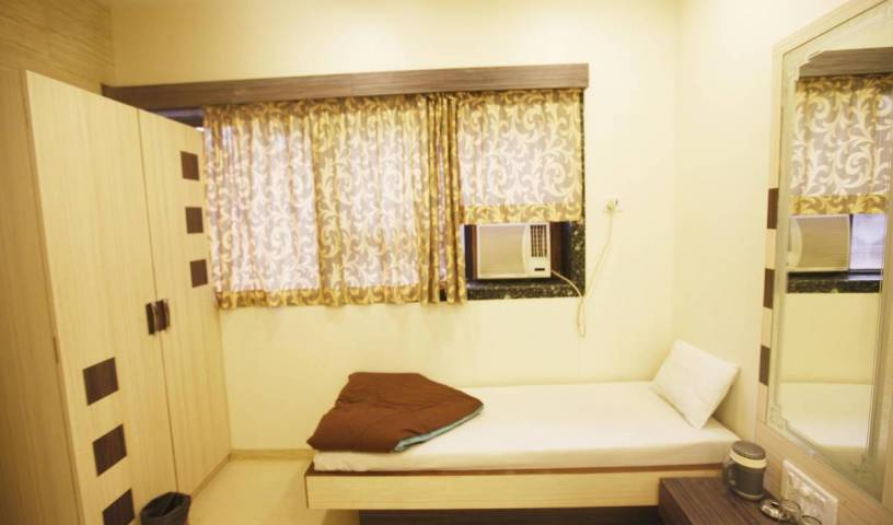 Hotel Al Moazin - Search available rooms and beds for hostel and hotel reservations in Breach Candy, Mumbai 1 photo