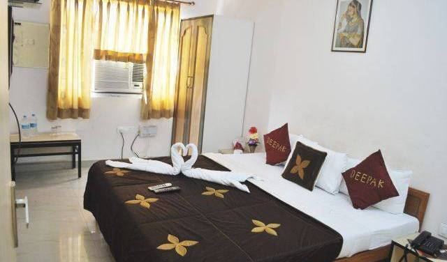 Hotel Deepak - Get cheap hostel rates and check availability in Jaipur, cheap hostels 17 photos