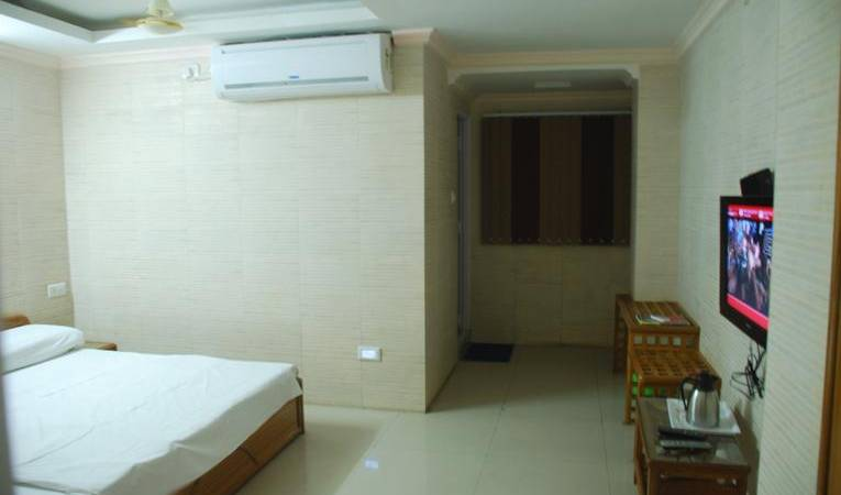 Hotel Ganpati Bhopal - Search available rooms and beds for hostel and hotel reservations in Bhopal 3 photos