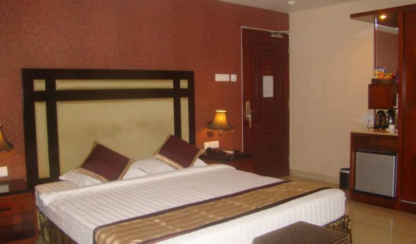 Hotel Gateway Grandeur - Search available rooms and beds for hostel and hotel reservations in Guwahati 4 photos