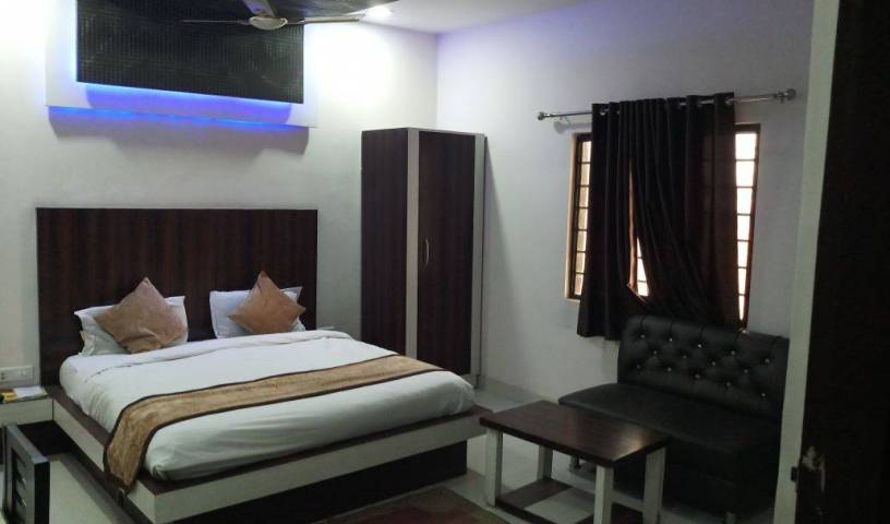 Hotel Gayatri Residency - Search available rooms and beds for hostel and hotel reservations in Agra 11 photos