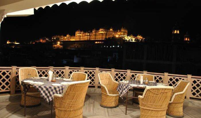 Hotel Kiran Palace - Get cheap hostel rates and check availability in Udepur, how to choose a hostel or backpackers accommodation 1 photo