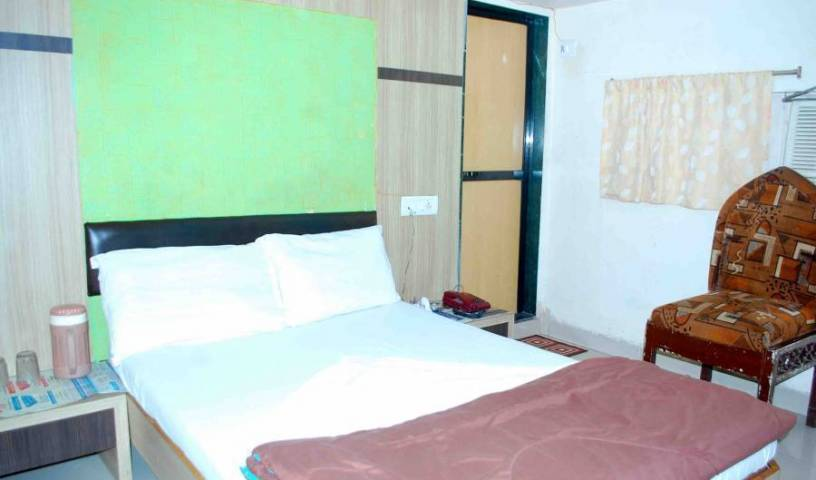Hotel New India - Search available rooms and beds for hostel and hotel reservations in Mumbai 4 photos
