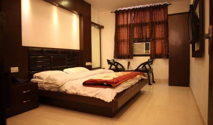 Hotel Pahwa International - Search for free rooms and guaranteed low rates in New Delhi 11 photos