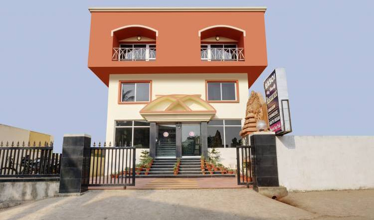 Hotel Pushpa (Berries Group Of Hotels) - Get cheap hostel rates and check availability in Puri, youth hostel 9 photos