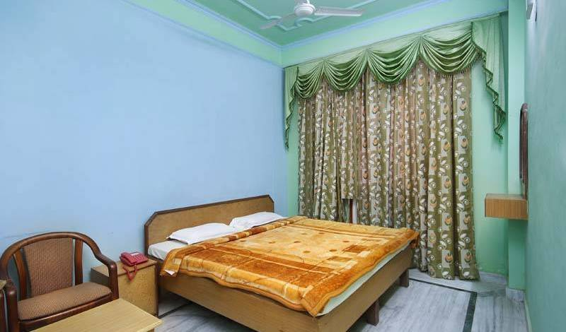 Hotel Raj Bed and Breakfast -  Agra, bed & breakfasts in safe neighborhoods or districts in ?gra (Agra), India 3 photos