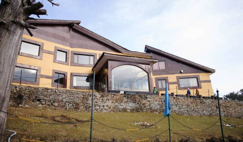 Hotel Royal Park - Get cheap hostel rates and check availability in Gulmarg, today's hostel deals 10 photos