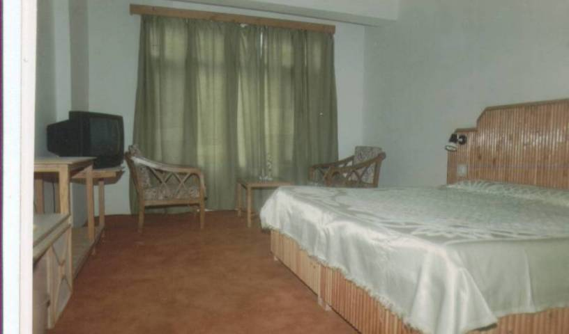 Hotel Satkaar - Get cheap hostel rates and check availability in Shimla, backpacker hostel 2 photos