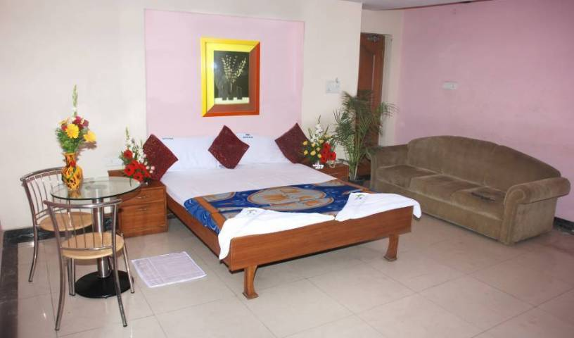Hotel Sree Simran Palace - Search available rooms and beds for hostel and hotel reservations in Hyderabad 6 photos