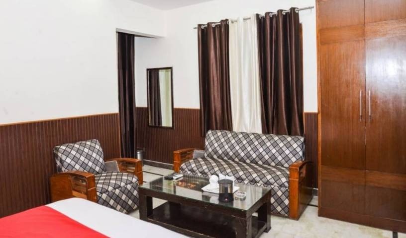 Jindal Palace - Search available rooms and beds for hostel and hotel reservations in New Delhi 22 photos