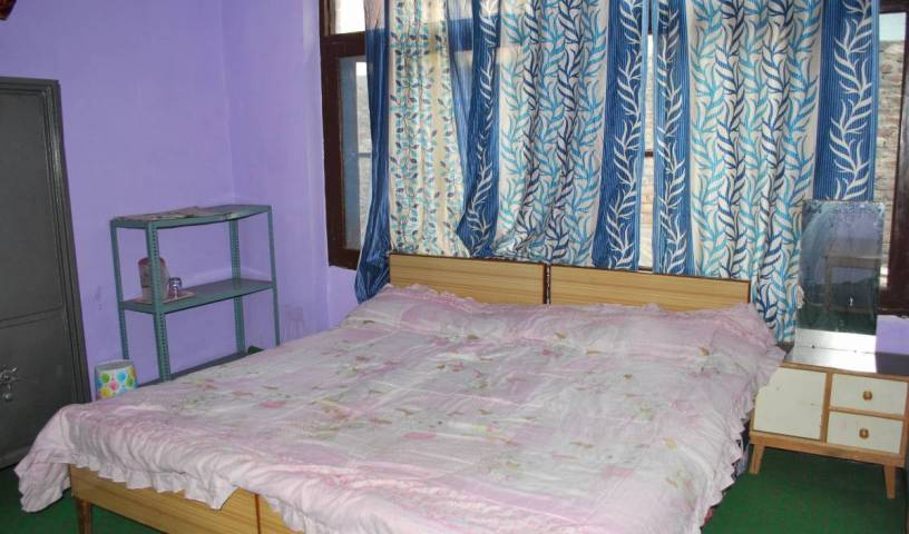 Kashmir Mahal Guest House -  Srinagar 2 photos