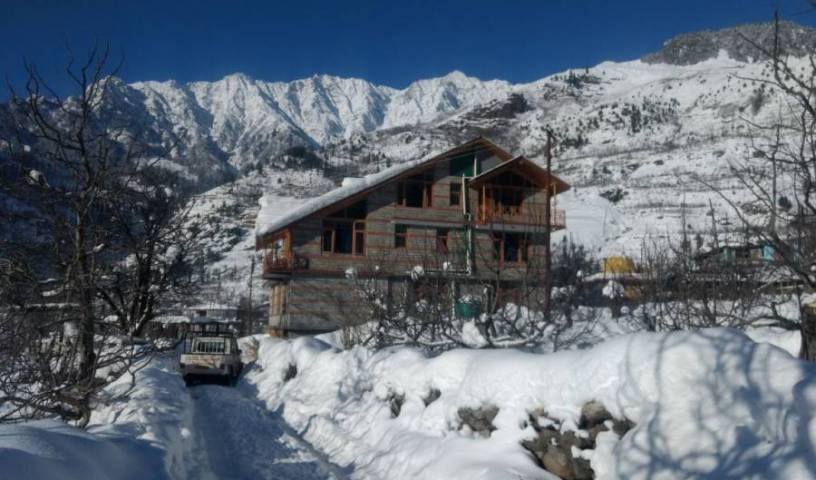 Peak and Snow Cottage - Get cheap hostel rates and check availability in Manali, youth hostel 1 photo