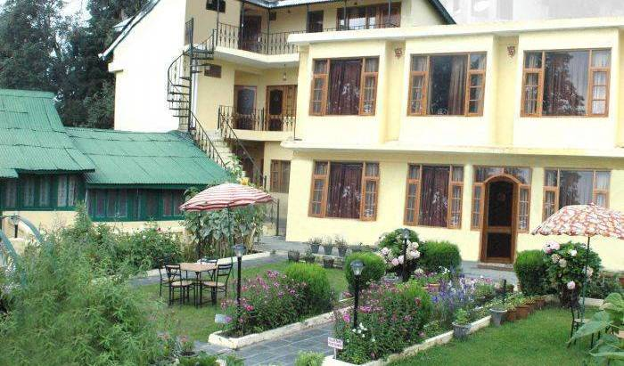 Sagrika Resort - Search for free rooms and guaranteed low rates in Dalhousie, cheap hostels 8 photos