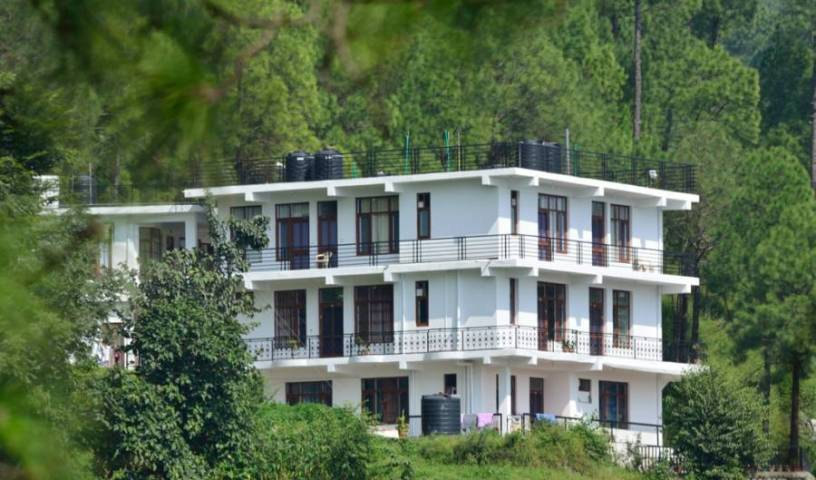 Sanawar View - Search for free rooms and guaranteed low rates in Kasauli 5 photos
