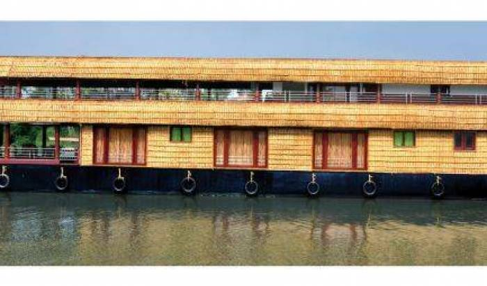 Sreekrishna Houseboat, Alleppey (Alappuzha), India hostels and hotels 22 photos