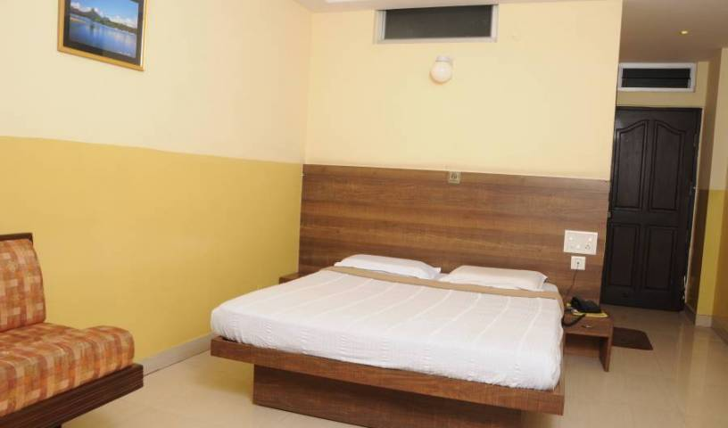 Suvarna Residency - Get cheap hostel rates and check availability in Mysore 9 photos