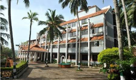 Swagath Holiday Resorts - Search for free rooms and guaranteed low rates in Thiruvananthapuram, youth hostel 5 photos