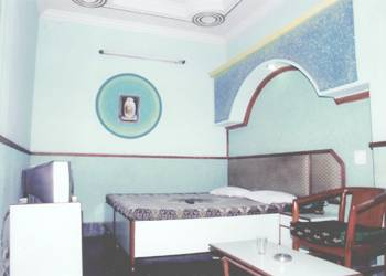 Durga Deluxe, Delhi, India, backpackers hostels and backpacking in Delhi