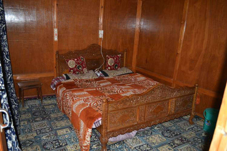 Green View House Boat, Srinagar, India, India bed and breakfasts och hotell