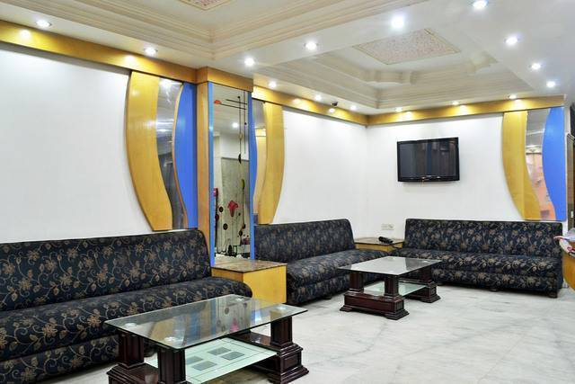 Hotel Chand Palace, New Delhi, India, compare reviews, bed & breakfasts, resorts, inns, and find deals on reservations in New Delhi
