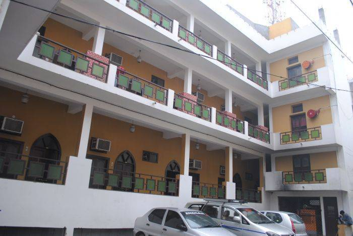 Hotel Chitra Heritage, Haridwar, India, tips for traveling abroad and staying in foreign hostels in Haridwar