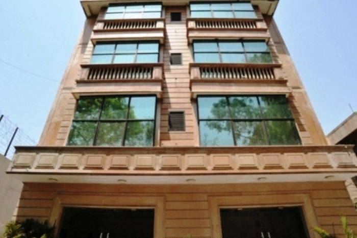 Hotel Emarald, Connaught Place, India, India hostels and hotels