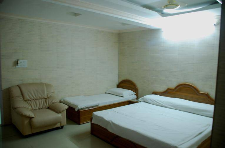 Hotel Ganpati Bhopal, Bhopal, India, hostels with free wifi and cable tv in Bhopal