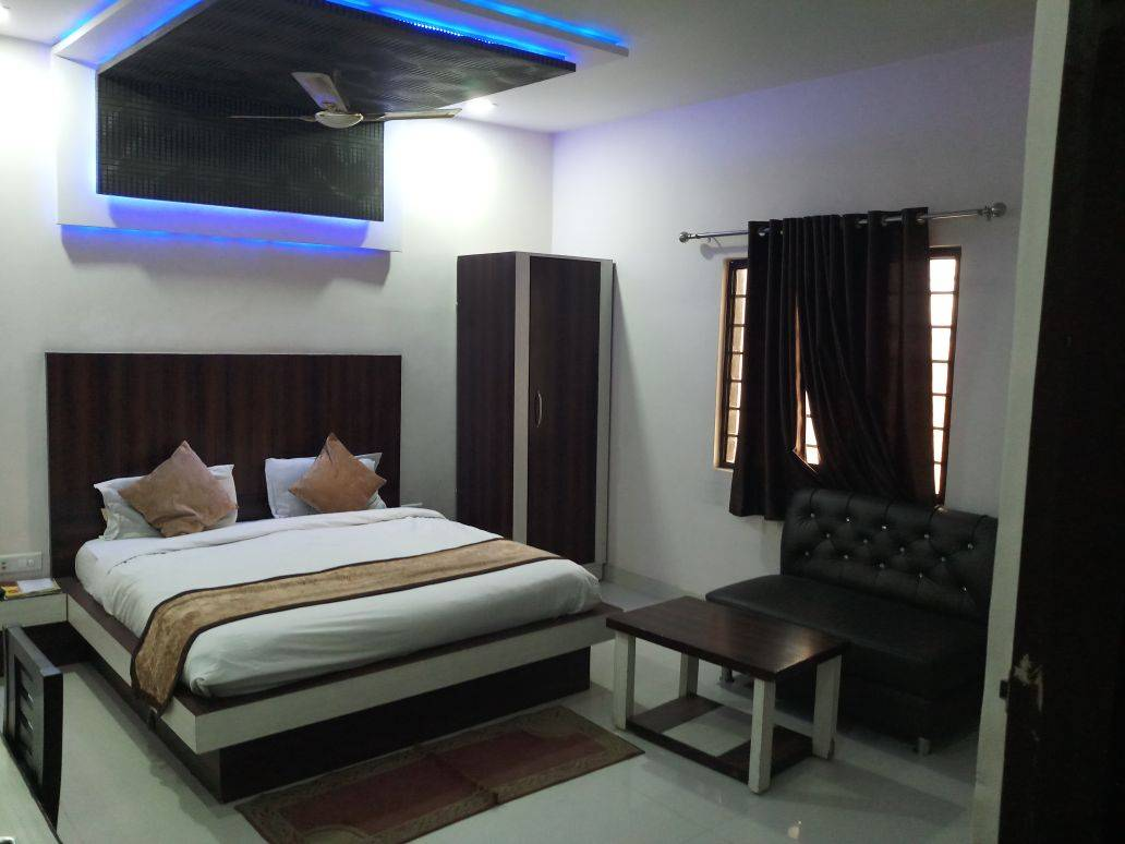 Hotel Gayatri Residency, Agra, India, India hostels and hotels