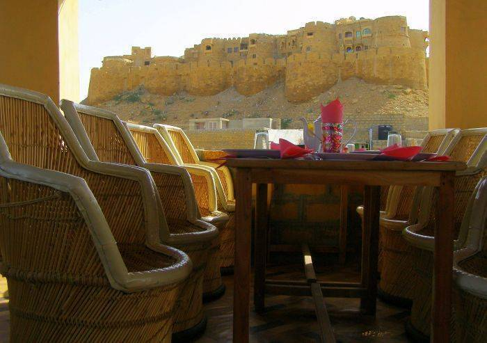 Hotel Jeetmahal, Jaisalmer, India, what are the safest areas or neighborhoods for hostels in Jaisalmer