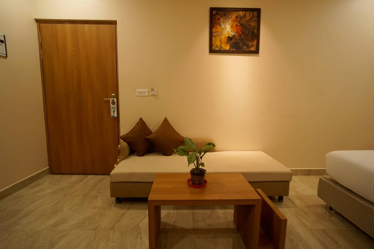 Hotel Kanha Residency, Allahabad, India, India bed and breakfasts and hotels
