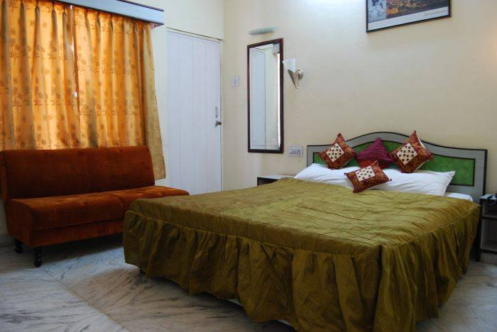 Hotel Laxmi Niwas, Jaipur, India, India hostels and hotels
