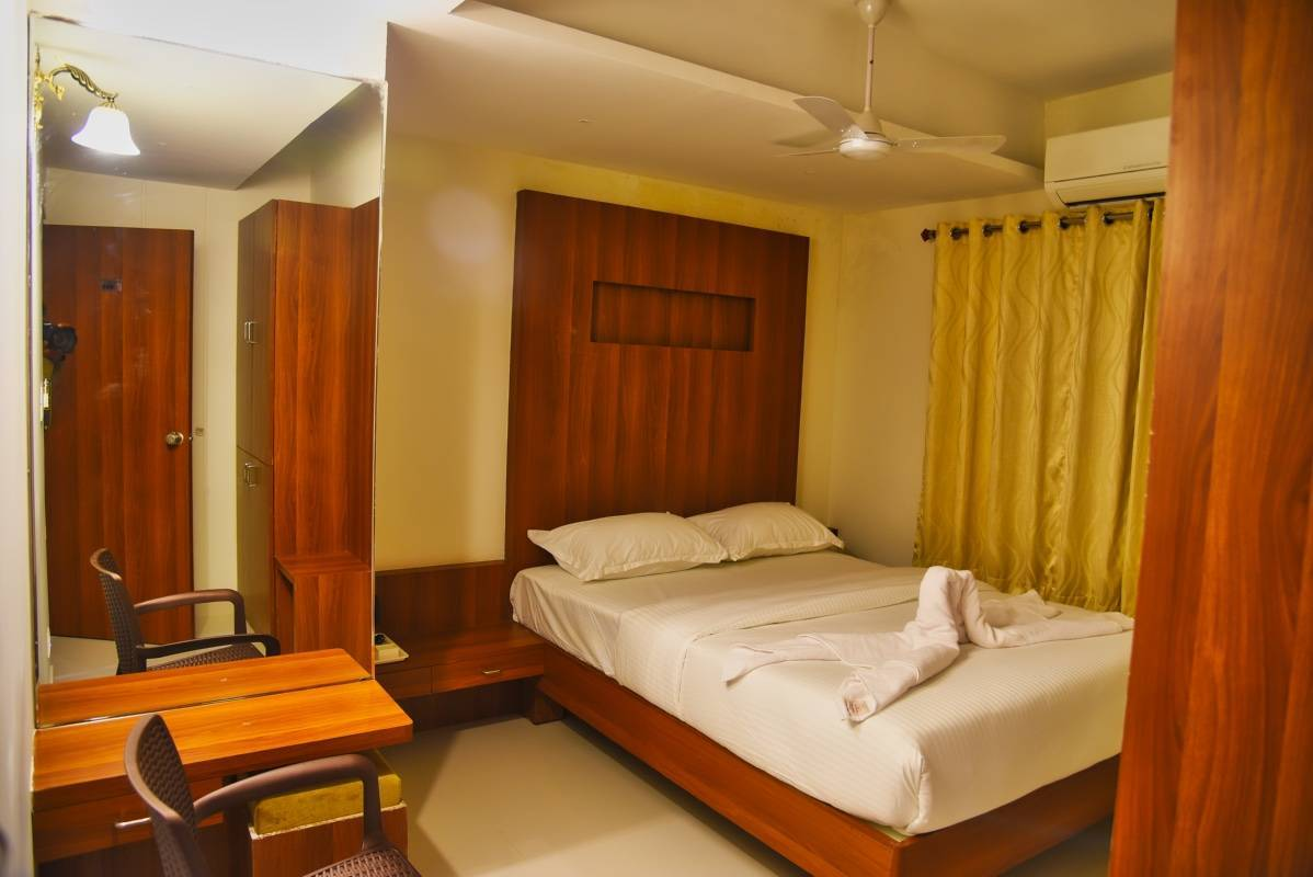 Hotel Le Citi Inn, Mysore, India, how to select a hostel in Mysore