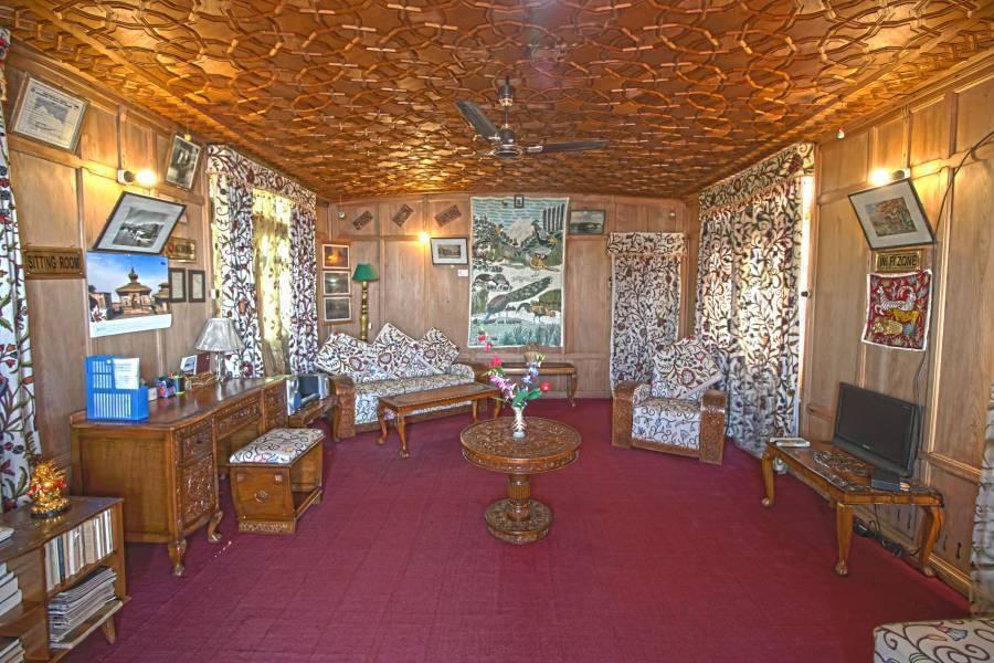 Houseboat New Golden Flower Group, Srinagar, India, Dagens erbjudanden för säng & Bs i Srinagar