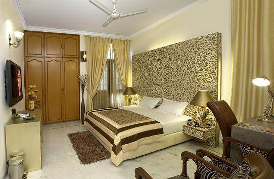 India Luxury Homes, Delhi Cantonment, India, hostels near transportation hubs, railway, and bus stations in Delhi Cantonment