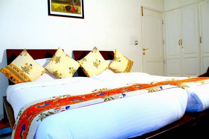 Mehra Residency At The Airport, New Delhi, India, explore bed & breakfasts with pools and outdoor activities in New Delhi