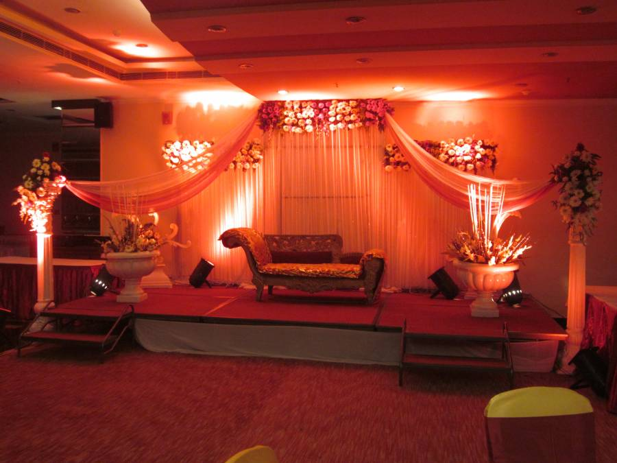 Saffron Kiran Hotel, Faridabad, India, find cheap deals on vacations in Faridabad