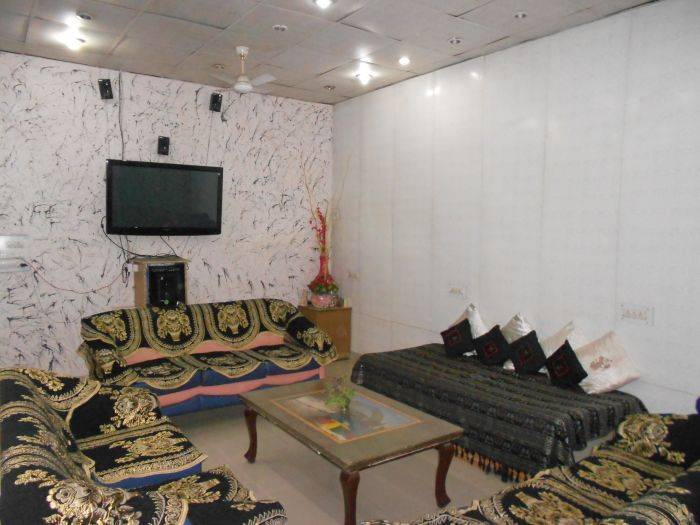 SS Hotel, Amritsar, India, we guarantee the lowest price for your hostel in Amritsar