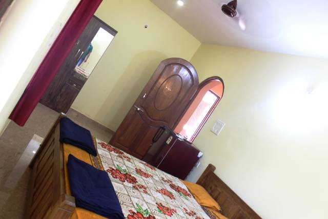 Sun Guest House and Apartment, Calangute, India, fast online booking in Calangute