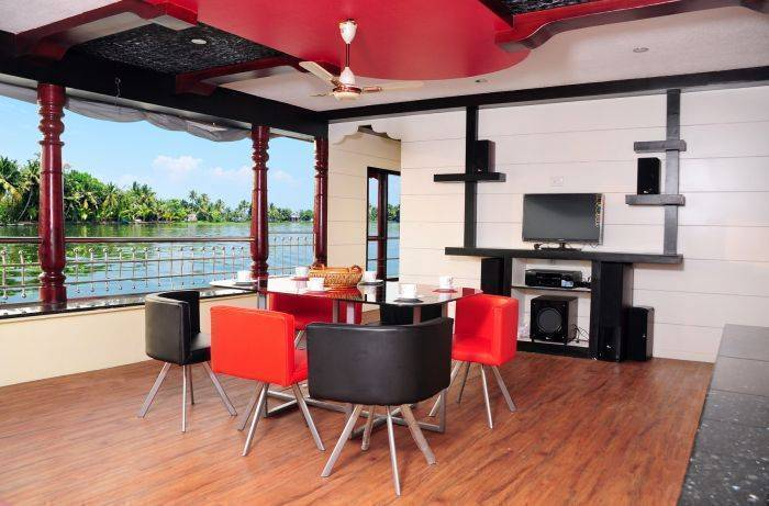 Vaishn Houseboatav, Alleppey, India, everything you need for your holiday in Alleppey