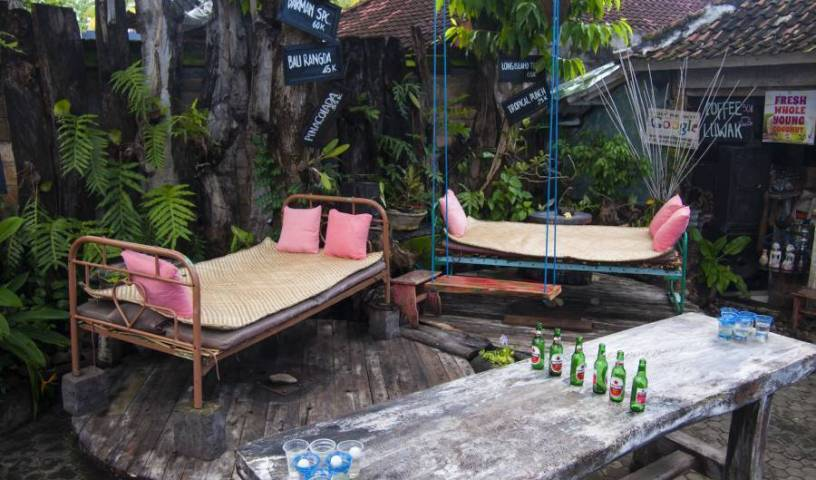 Funkyplace -  Banjar Kelod Kauh, vacations and bed & breakfasts in Bondalem, Indonesia 14 photos