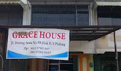 Grace Hostel Padang - Search for free rooms and guaranteed low rates in Koto Padang, popular destinations for travel and hostels in Riau, Indonesia 8 photos