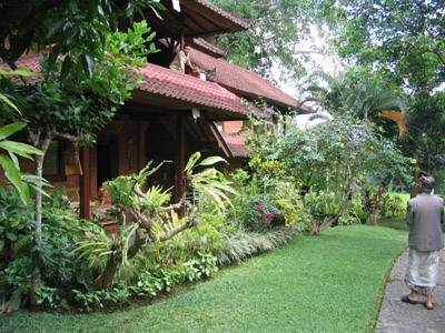 Indraprastha Home Stay, Ubud, Indonesia, where to rent an apartment or aparthostel in Ubud